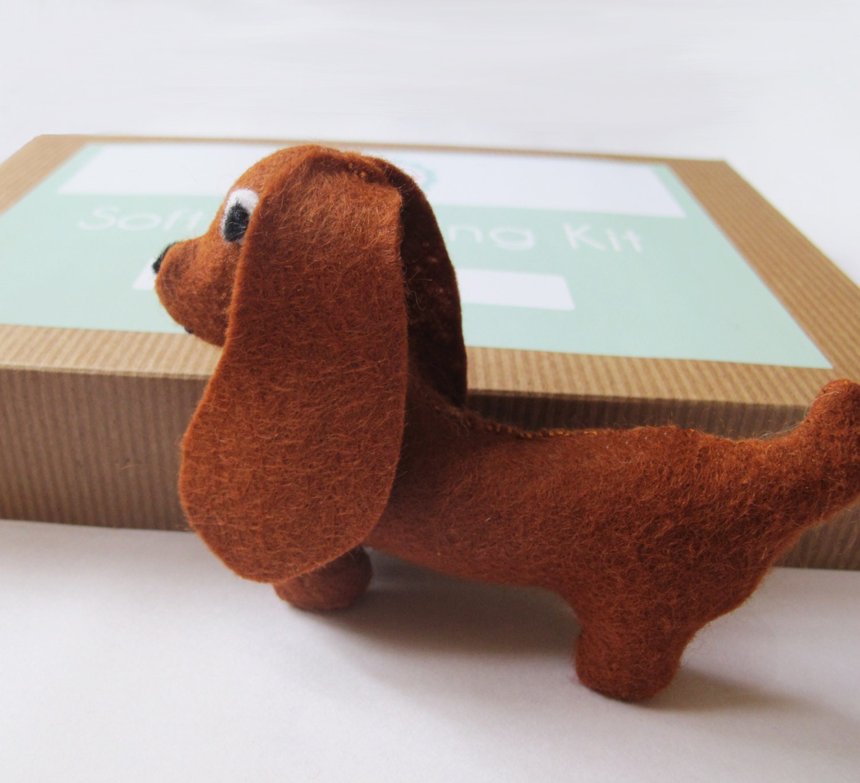 Machen Sie Ihre eigenen Dackel Softie Filz Spielzeug-Nähset