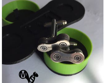Bicycle, Bike Chain Link Cufflinks made from Shimano Chain and in a limtied edition Black and Green Chainlink Shaped Box.