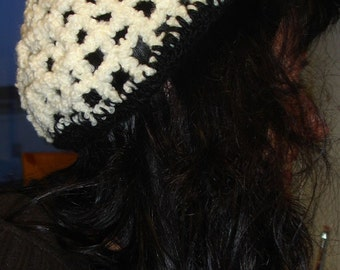 Boucle beanie with flower - ready to ship
