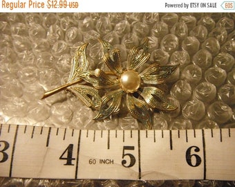 Surprise Sale 1950's Damascene Flower and Simulated Pearl Accent,Daisy/Sunflower? Brooch,Green Enamel,Gold Plated, Made in Spain   {F}
