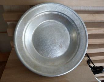 Set of 4 vintage aluminum plates & Aluminum plates | Etsy