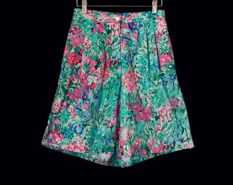 vintage FLORAL cotton shorts //pleated  high waisted // wide leg // 80's brushed cotton shorts // by Woolrich size S