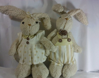FREE SHIPPING bunnies rabbits stuffed animals 2 total (Vault 10)