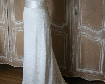 Lace Wedding dress with train and capped sleeve. size 12 **NEW REDUCED PRICE**