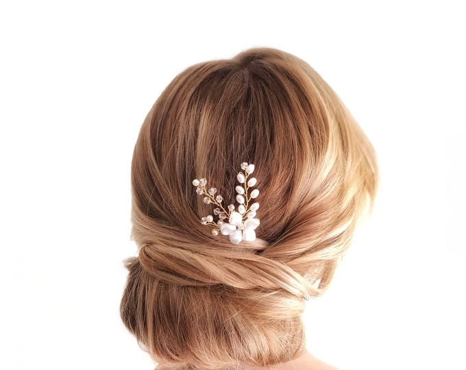 Gold Pearl Hair Pin, Wedding Hair Accessories, Bridal Headpiece, Gold flower Hair pins, Pearl Bridal Hair pins, Pearl Bridal Accessories
