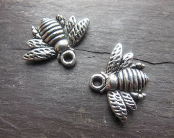 Lots of 5 Silver bees