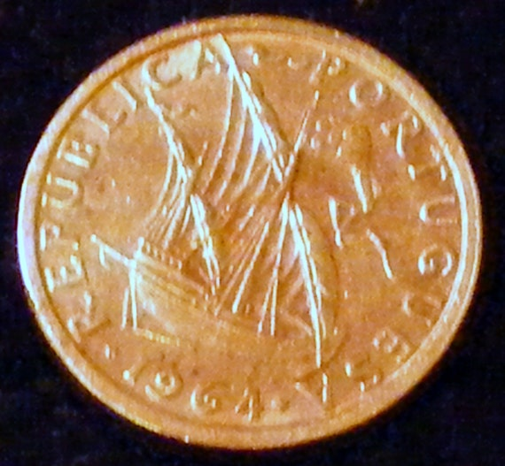 1964 PORTUGAL COIN . . Great Investment . .