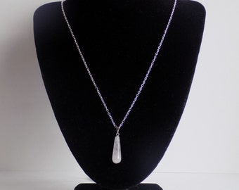 Elegant crystal necklace and earring set