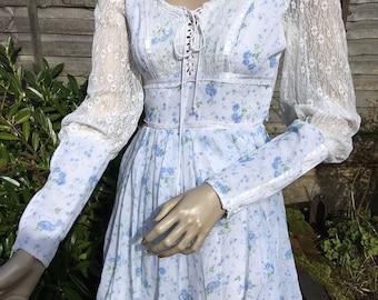 GUNNE SAX original 1970s pale blue and lace floral mini dress mutton sleeves & long cuffs UK 6 8 xs s