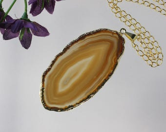 Brown Agate Pendant, Agate Necklace,Crystal Agate Slice, Agate Slice, Gold Plated Agate, APS212