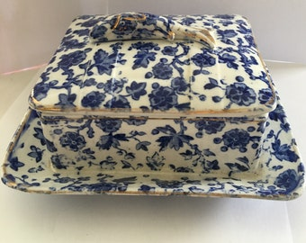 Blue and white chinz victorian sardine with fish handle and deep sides