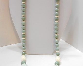 "Vintage 27"" Sage & White Beaded Necklace (4834) (BP)"