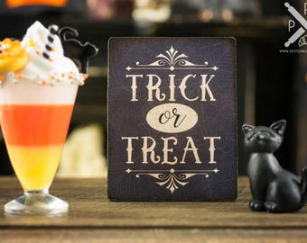 Made to Order Trick or Treat Sign - Decorative Halloween Sign - 1:12 Dollhouse Miniature