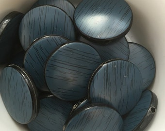 22 x blue wood effect acrylic disc beads 20mm