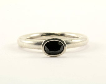 Vintage Pandora  Petite Oval Black CZ Ring 925 Sterling RG 1372