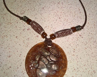 Necklace big brown Medallion