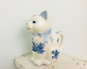 Delft Cat Creamer Pitcher, Delft Blue Kitty Cat Handpainted Holland Windmill Creamer