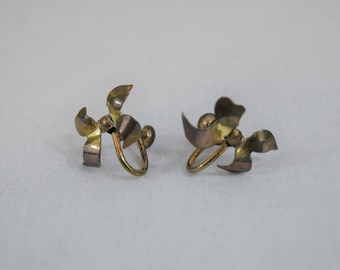 1960s vintage gold bow screw back earrings