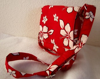 Insulated Sandwich Pouch - White Hibiscus on Red Background