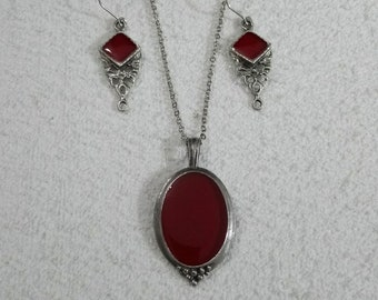 Necklace and Earring red Tin