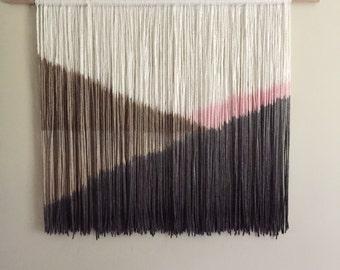 Yarn wall hanging - Rosy