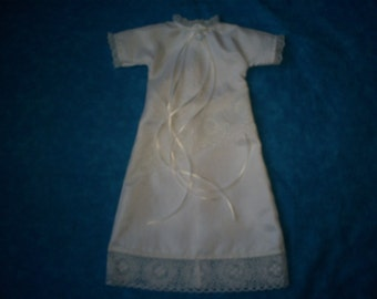 Preemie Baby Girl Gown 1.5 - 2.5 lbs.