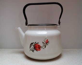 Vintage white enamel water tea kettle- enamelware- lidded- daisy tea can