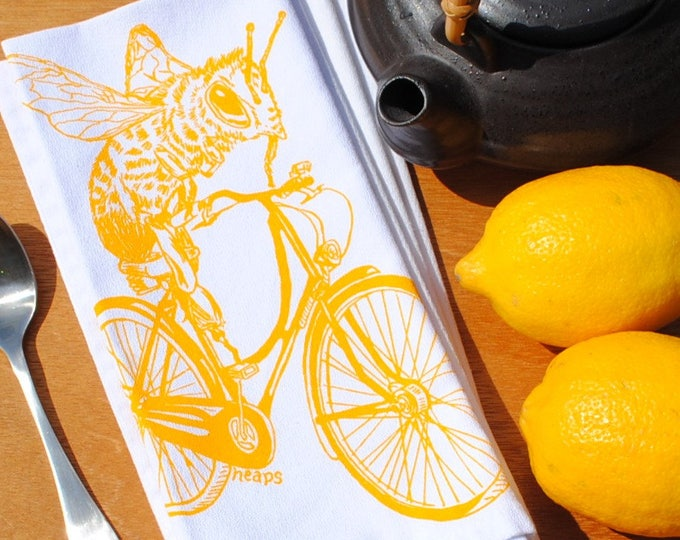 Cotton Dinner Napkins - Yellow Honey Bee on a Bike Napkins - Washable Reusable - Cloth Napkins Set - Honey Bee Napkins