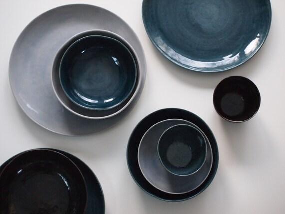 Steinzeug Geschirr steinzeug geschirr set in blau braun violett keramik teller