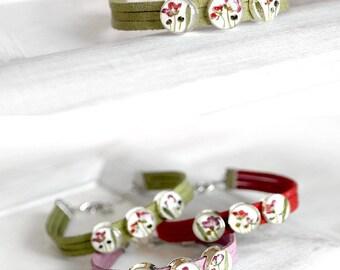 Pink bracelet flower girl wedding bracelet for bridesmaid gift Green bracelet for her Resin jewelry real flower bracelet Pink flower jewelry