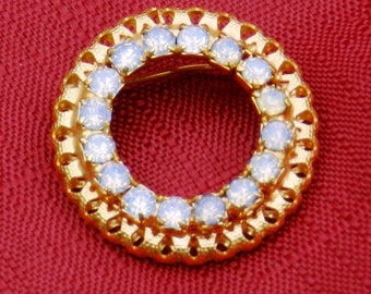 Vintage Round Goldtone White Rhinestone Brooch 1 1/4 Inches Across            00447
