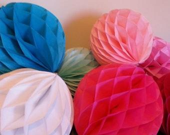 Honeycomb Lantern - Weddings decor // Baptism decor // Nursery // Receptions // Birthdays decor