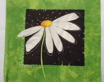 10 Daisy green black white art paper napkins   3557