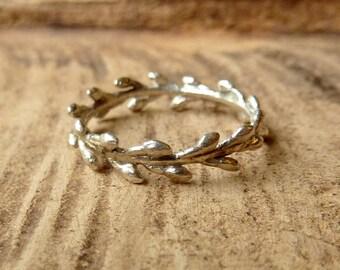 Laurel Wreath Band - Silver