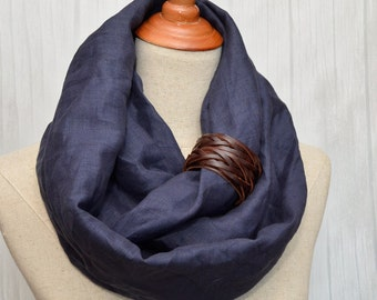 Linen scarf, Linen Infinity Scarf, Chunky Scarf, Natural Linen, Navy. Brown leather cuff.