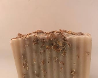Oatmeal soap-Oatmeal with Aloe and Green Clover with Aloe gel
