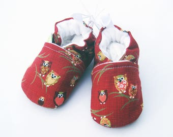 SALE XS Classic Winky Owls in Red / All Fabric Soft Sole Baby Shoes / Ready to Ship / Babies