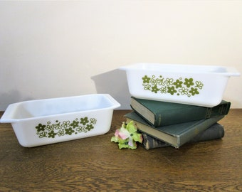 Pyrex Spring Blossom Loaf Pan - 913 - White with Green Flowers - Crazy Daisy - Collectible - Vintage Kitchen Decor - Green and White