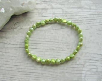 Green Freshwater Pearl Bracelet - Stretchy Bracelet - Natural Pearl Jewellery - Elasticated Pearl's #1