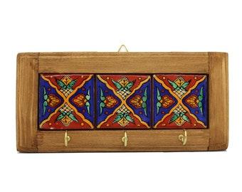 Key board made of wood and ceramics-Pinas