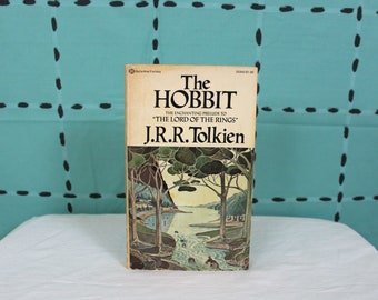 The Hobbit By JRR Tolkien. Lord Of The Rings Book. Vintage The Hobbit Paperback Book. 70s The Hobbit Book. Tolkien Classic Fantasy Novel