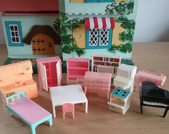 Assorted Collection Of Vintage Plastic Dollshouse Furniture