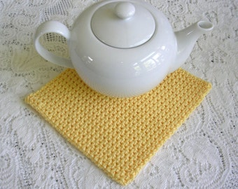 Square Yellow Potholder - Cotton Crochet Square Hot Pad Pot Holder - Retro Hotpad Kitchen Decor