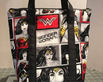 Wonder Woman Insulated Lunch Bag (Modern)