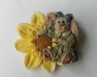 Dahlia, My Biggest Blossom, Boyds Bears Bunny Rabbit Hare Pin, Retired #26126