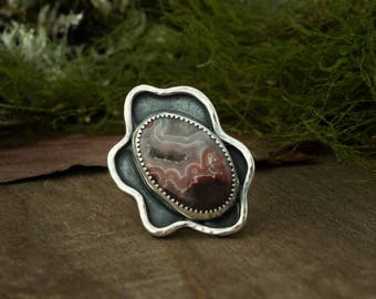 Wiggle Shadow Box Ring, Sterling Silver and Crazy Lace, Size 5.75