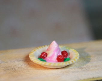 Dollhouse Miniature  ice cream | 1:12 Scale Miniature Food, Diorama
