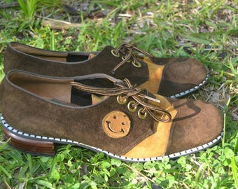 Vintage 70s 1970s Brown Suede Smiley Face Oxfords Shoes Size 8