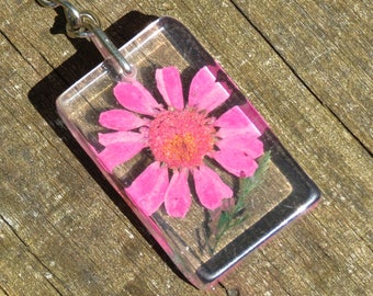 Natural Dried Pink Flower Keychain!