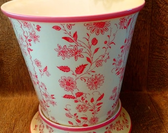 EXQUISITE NINA CAMPBELL Pink Porcelain Flower Sprig Planter & Base // Interior Design Accessory from High End Luxury London Store
